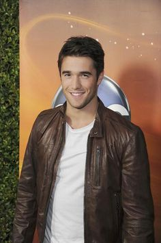 Get breaking celeb and entertainment news, photos, and videos about all your favorite Hollywood stars from Wetpaint. Revenge Abc, Josh Bowman, Celebs, Celebrities, Book Characters, Hollywood Stars, Cute Guys, Black History, Eye Candy