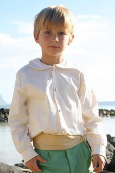 Discover our Lovely peter pan collar shirt for boys with long sleeves in fine white or ivory cotton - by royal designer Little Eglantine Pageboy Outfits, Page Boy, Young Female, Occasion Wear, Special Occasion, Collar Shirts, Collars, Classic Outfits, Peter Pan