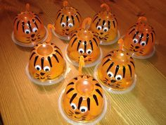 Healthy snack for kids – jello fruit cups decorated like a tiger. Easy, quick a… Healthy snack for kids – jello fruit cups decorated like a tiger. Easy, quick and the kids love it! Kindergarten Snacks, Preschool Snacks, Cute Snacks, Healthy Snacks For Kids, Fruit Snacks, Healthy Birthday Treats, Snacks Kids, High Protein Snacks, Class Snacks