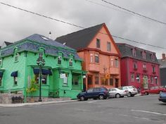 Lunenburg Arms Hotel: colourful Lunenberg