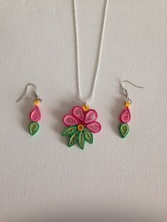 Quilling jewelry by hallie Quilling Necklace, Paper Quilling Jewelry, Quilling Paper Craft, Paper Jewelry, Paper Beads, Jewelry Crafts, Jewelry Necklaces, Quilling Work, Paper Quilling Patterns