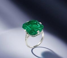 An 18.67 carats Colombian emerald and diamond ring, by Van Cleef & Arpels, 1920