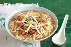 Try out our simple Barbecue Pork Noodle Bowl recipe this evening. This Barbecue Pork Noodle Bowl is seasoned with sesame dressing, soy sauce and lime. Ramen Recipes, Pork Recipes, Asian Recipes, Dinner Recipes, Cooking Recipes, Ethnic Recipes, What's Cooking, Asian Foods, Dinner Ideas