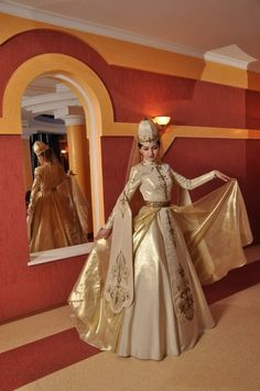 Ethnic Wedding Dress of Caucasian fashion2
