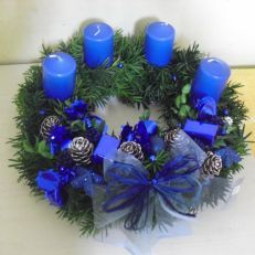 Christmas Dance, Christmas Time Is Here, Christmas Tree, Candle Making Business, Centerpieces, Wreaths, Candles, Design, Home Decor