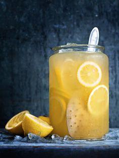 Wolfgang Kleinschmidt: Soda Lemonad & Snacks / styling Tove Nilsson: Choice Stockholm