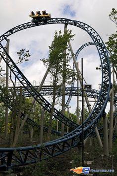 18/36 | Photo du Roller Coaster Anubis The Ride situé à Plopsaland de Panne (Belgique). Plus d'information sur notre site http://www.e-coasters.com !! Tous les meilleurs Parcs d'Attractions sur un seul site web !! Découvrez également notre vidéo embarquée à cette adresse : http://youtu.be/CTarPc72gHs