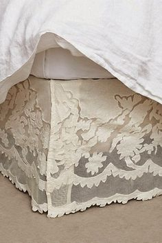 Shabby Chic Interior Design Ideas For Your Home Dream Bedroom, Home Bedroom, Bedroom Decor, Shabby Chic Interiors, Shabby Chic Decor, Interiores Shabby Chic, My New Room, Beautiful Bedrooms, Bed Pillows
