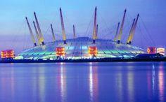 Millennium Dome - Famous Buildings and Architecture of London Famous Buildings, Modern Buildings, London Architecture, London Theatre, Things To Do In London, London Calling, Paris, London England, World