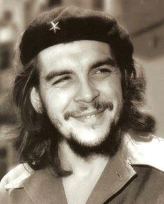 """"""" ¡Póngase sereno y apunte bien! ¡Va usted a matar a un hombre!""""~Ernest Che Guevara"""