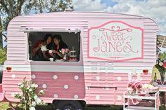 Vintage Caravan: Sweet Jane's Travelling Teahouse. #pop_up #retail