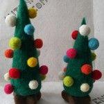 松ぼっくりのクリスマスツリー | ハンドメイドマーケット minne