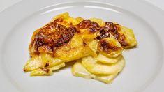 Der schlichte Gratin dauphinois ist eines der geilsten Dinge, die man aus Kartoffeln machen kann... French Toast, Meat, Chicken, Breakfast, Food, Gratin, Peeling Potatoes, Bakeware, Kochen