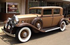 Google Image Result for http://onecarspot.com/wp-content/uploads/2011/08/1932-buick-Old-Antique-Car.jpg