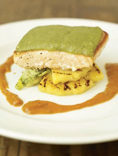 Grilled salmon with a lime crust