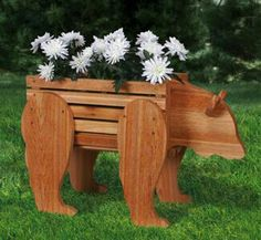 Wood Profit - Woodworking - Bear Planter Woodworking Pattern Discover How You Can Start A Woodworking Business From Home Easily in 7 Days With NO Capital Needed! Kids Woodworking Projects, Woodworking Patterns, Diy Wood Projects, Woodworking Projects Plans, Garden Projects, Wood Crafts, Woodworking Plans, Woodworking Beginner, Woodworking Skills