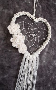 White Heart Dream Catcher Wedding Decoration by Dreamcatcher .- Weiß Herz Dream Catcher Hochzeit Dekoration von DreamcatchersUA White Heart Dream Catcher Wedding Decor by DreamcatchersUA - Dream Catcher Wedding, Lace Dream Catchers, Dream Catcher White, Dream Catcher Boho, Dreamcatcher Crochet, White Dreamcatcher, Wedding Wall Decorations, Decor Wedding, Boho Wedding