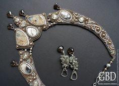 Купить Ночная Стрекоза - серебряный, бронзовый, бежевый, солнечный камень, лабрадор, повседневное колье