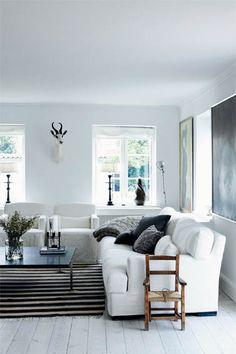 simple. modern | black & white + slipcovers | via Femina magazine