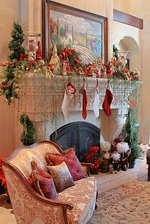 DIY - DECOR - MUST HAVE FIREPLACE THIS YEAR DARNIT - LOVE THIS ONE - all decked out for the holidays