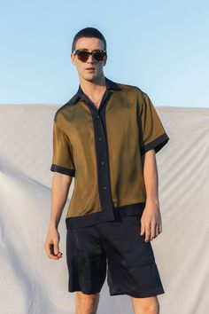 Deveaux Spring 2020 Menswear Fashion Show Best Mens Fashion, Look Fashion, Fashion Show, Fashion Outfits, Men Street, Summer Trends, Casual Shirts, Men Shirts, Menswear