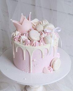 Cupcake Birthday Cake, Birthday Desserts, Birthday Cake Decorating, Birthday Cake Girls, Cupcake Cakes, Birthday Decorations, Sweets Cake, Princess Birthday, Buttercream Birthday Cake