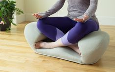 The chair is designed to give you the best comfort possible for your meditation. It supports your body in a posture that resembles how the ancient gurus and sages used to meditate.