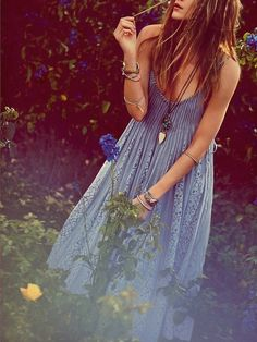 Blue boho maxi with lace panels. Gorgeous jewellery and I love her hair! Sexy gypsy style for fall.