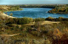Wanuskewin Heritage Park Wanuskewin Heritage Park is located near the west bank of the South Saskatchewan River, just three kilometers north of Saskatoon, Saskatchewan.