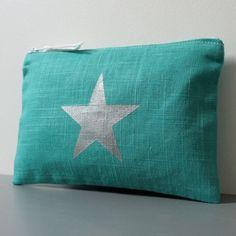 Pochette en lin avec une étoile argentée, doublée en coton fantaisie