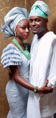 Yoruba Traditional Wedding of Tope and Damilola by Demilade Roberts Photography African Wedding Attire, African Attire, African Dress, African Crown, African American Brides, African Women, African Fashion, Ankara Fashion, Nigerian Traditional Wedding
