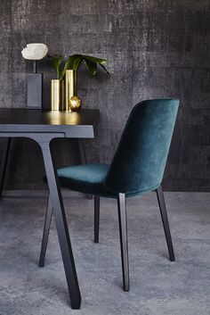 Minimal design | velvet and black chairs, simple ans chic |www.bocadolobo.com/ #modernchairs #luxuryfurniture #chairsideas