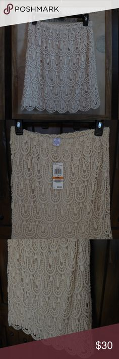 """New Bar III Savannah Boho Ivory Crochet Skirt S This is a new Bar III Savannah ivory crochet skirt in size S.  The skirt is fully lined and new with tags. The waist is elastic so it can stretch to fit. Approx. measurements: waist 26"""" liner length 17"""", crochet length 17.5. Bar III Skirts"""