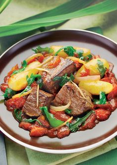 Madagascan Beef Tenderloin is easy to make in an air fryer. The delicious blends of spices and vegetables make a savory sauce for this stew. Tefal Actifry, Actifry Recipes, Beef Recipes, Cooking Recipes, Beef Tenderloin Recipes, Beef Casserole, Beef Dishes, Air Fryer Recipes, Healthy Eating