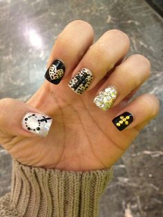 Black gold cheetah cross nails. LOOOOOVVVVEEEEEE