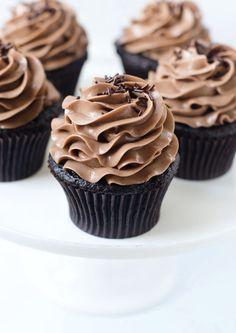 Nutella Bomb Cupcakes