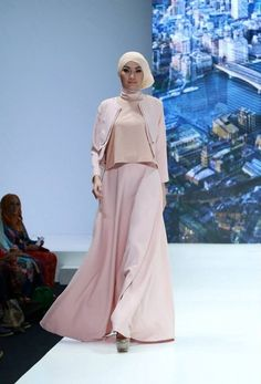 Runway | Fashion Weeks |Modest Fashion Shows | Islamic Fashion Shows - Sweet Modesty