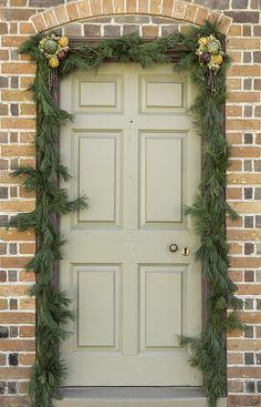 A pretty door decora