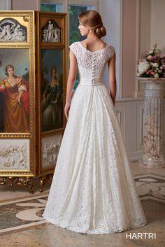 Katalog sukni ślubnych :: Pracownia Krawiecka HAKS Burlap Lace, Country Chic, Getting Married, Coral, Wedding Dresses, Fashion, Bride Dresses, Moda, Bridal Gowns