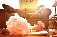 Love this creative look for newborn photography...and the sun streaming in from the window is just icing on the cake!