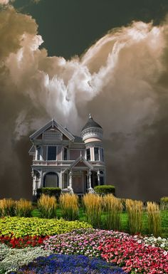before the storm.` Would love to be in that house watching the storm and the flowers Nature Pictures, Cool Pictures, Cool Photos, Beautiful Pictures, Storm Pictures, Funny Pictures, Beautiful Sky, Beautiful World, Beautiful Places