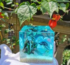 Ocean Resin Diorama| Flower Resin Paperweight | Smartyleowl Epoxy Resin Art, Diy Resin Art, Real Flowers, Dried Flowers, Pinterest Diy Crafts, Crystal Resin, Resin Artwork, Fairy Figurines, Resin Charms
