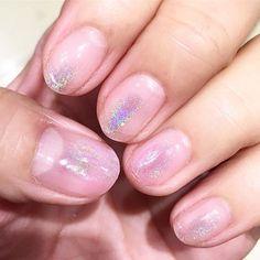 @annnnn_320 さん💖のネイル💅🏻がとっても可愛くてHOMEIウィークリージェルで真似っこ💖  クリアを塗って硬化した後に親指と薬指だけWG2のピンクとWG20のパープルをちょんちょん塗って硬化してから、オーロラグリッターパウダーをこすこすしてクリアを塗って硬化して終了✨✨✨ #homei #ホーメイ#ジェルネイル #セルフネイル #セルフネイル部 #ネイル #べっ甲 #ボルドー #ウィークリージェル #nailart #キャンドゥ#ミラーネイル#グリッターネイル#ウィークリージェル#nail#follow #followme #selfnail #gelnails #good#nice#vintage #art #かわいい#shopping