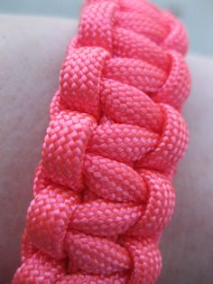 hot pink paracord bracelet