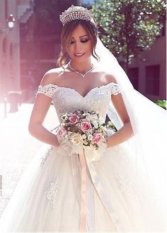 Glamorous Tulle Off-the-Shoulder Neckline Ball Gown Wedding Dress With Lace…