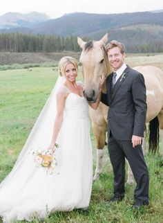 beautiful bride, handsome groom & a lovely horse - rustic chic wedding perfection on the ranch | photo by Laura Murray Photography