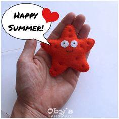 Happy summer! #seastar #felt #handmade #babydecor #babymobile #obyshandmade #etsykids #stellamarina #pannolenci #fattoamano #giostrina #etsyitaliateam #filz #seesterne #karusell #mobile #kinderdeko #handgemacht #workinprogress #etsyaustriateam Felt Fish, Happy Summer, Baby Decor, Gingerbread Cookies, Dinosaur Stuffed Animal, Toys, Handmade, Star Pisces, Felting