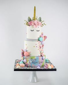 Miami's Best Birthday Cakes - Elegant Temptations Bakery is a custom cake studio specializing in creating Amazing Birthday Cakes and Modern Dessert Tables. Pretty Cakes, Cute Cakes, Beautiful Cakes, Amazing Cakes, Cool Birthday Cakes, Unicorn Birthday Parties, Little Pony Cake, Unicorn Foods, Fantasy Cake