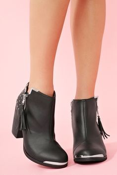 neeeed these boots for summer!