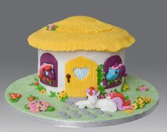 My Little Pony Cake by Gellyscakes, via Flickr